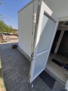 Výměna vícebodového bezpečnostního zámku v plastových dveřích