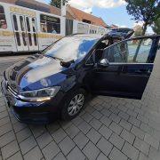 VW Touran 2020 - klíče zamčené v kufru - otevření bez poškození.